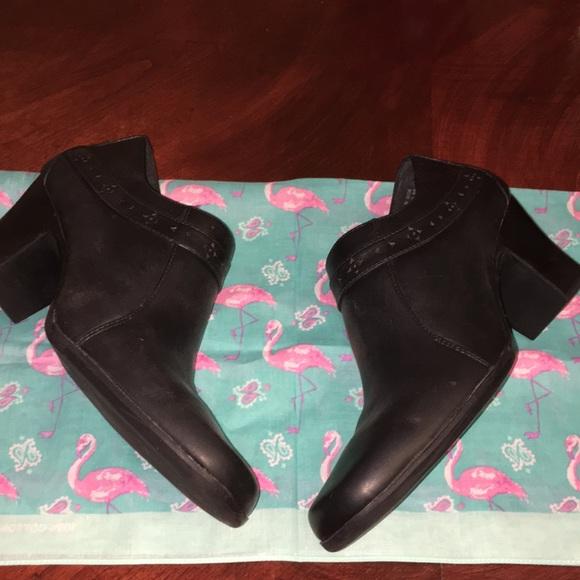Clarks Shoes - EUC Clark's | Black Leather heeled booties